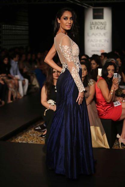 lisa haydon lakme fashion week